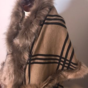 VEST Faux fur trimmed beige black plaid S/M